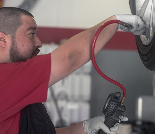 Tire Shop in Mt Pleasant: Certified Tire Repair Services | Auto-Lab - content-tire-filling